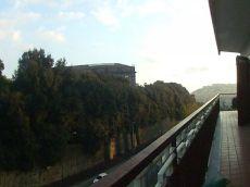 Trilocale con balcone Capodimonte