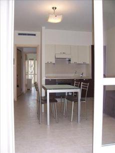 Appartamento arredato con balcone Lotto, novara, s. siro, rembrandt
