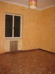 Appartamento arredato con balcone