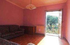 Trilocale con balcone Infernetto, axa, casal palocco, madonnetta a roma