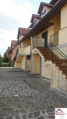 Villa a schiera arredata Varcaturo