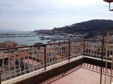 Trilocale con terrazzo e balcone Gaeta