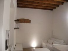 Appartamento arredato con balcone Monza