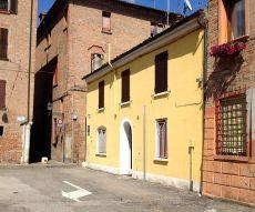 Ferrara centro storico casa per tre studenti