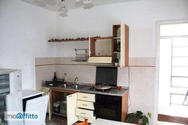 Appartamento arredato baschi 3652368 for Locazione immobile arredato