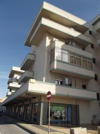 Bilocale arredato lato mazara 1439216 for Affitto bilocale non arredato