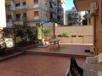 Appartamento con terrazzo via f Delpin foto 1