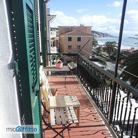 Appartamento a 30 mt dalla spiaggia centro storico Cogoleto