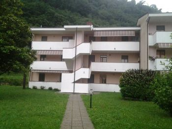 Appartamento scarenna 3878547 for Affitto arredato faloppio