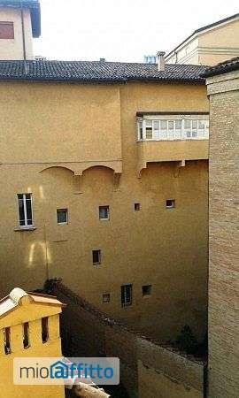 Casa con aria condizionata e balcone